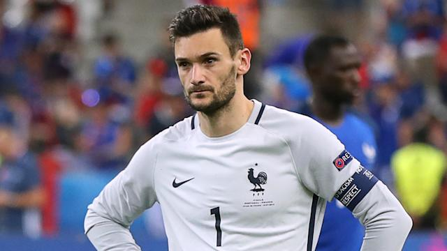 The France manager backed his goalkeeper to bounce back after errors against Italy and USA in recent friendlies