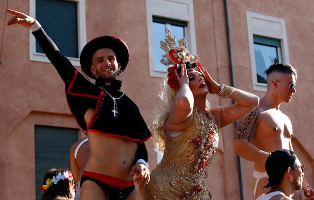 <p>Revellers take part in the Gay Pride Parade in Rome, Italy, June 9, 2018. (Photo: Stefano Rellandini/Reuters) </p>