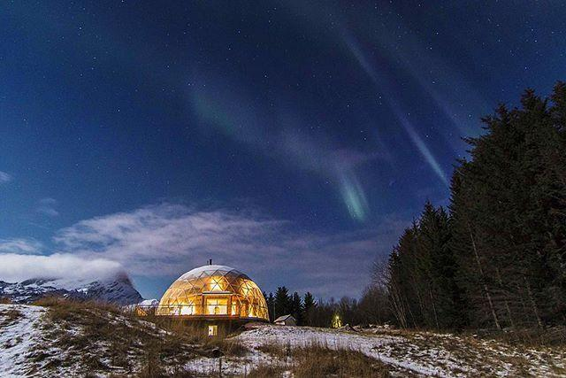 This Glass Igloo In The Arctic Circle Incredibly Houses A