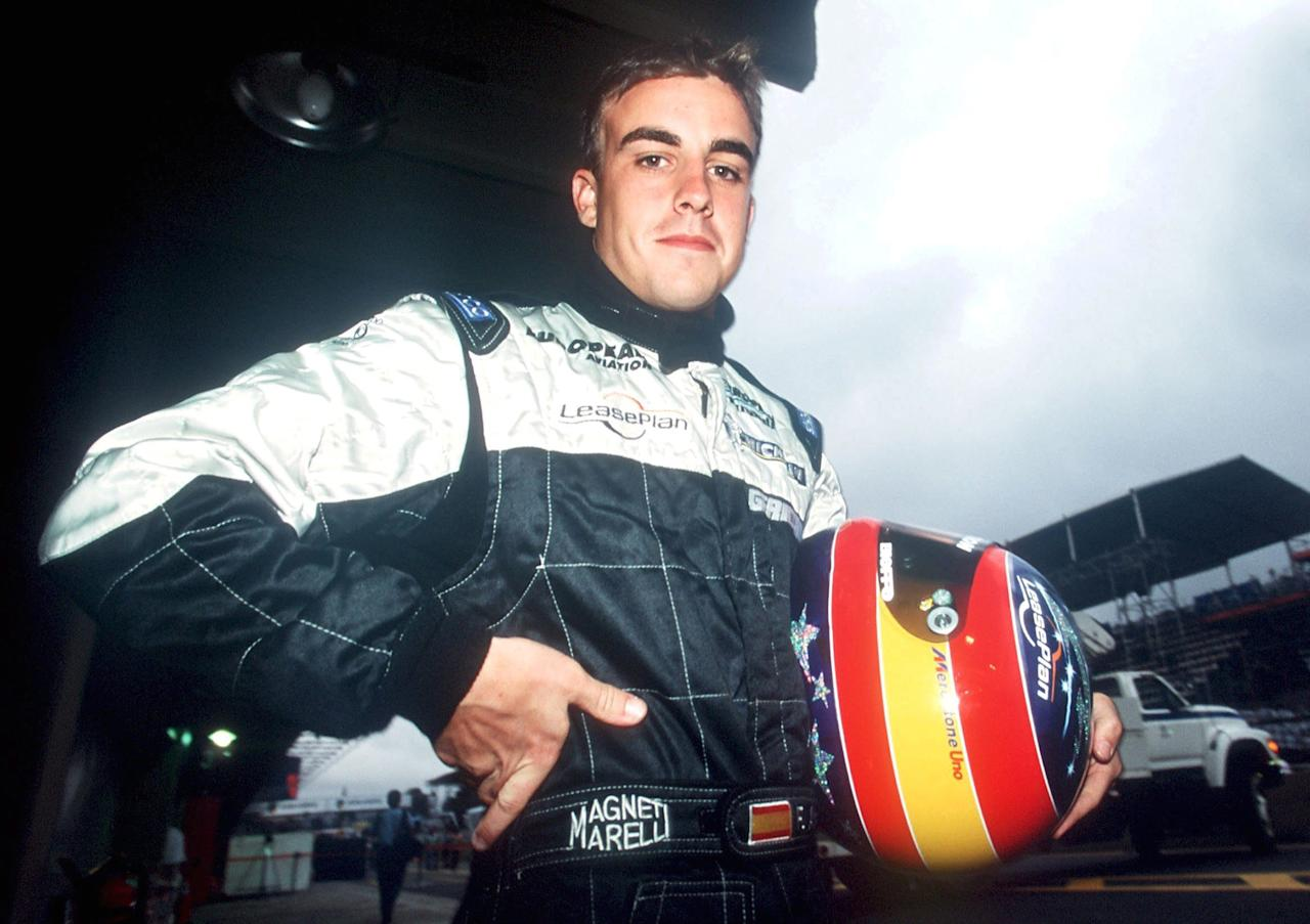 SAO PAULO, BRAZIL - APRIL 01:  GP VON BRASILIEN 2001, Sao Paulo; Fernando ALONSO/ESP - MINARDI -  (Photo by Andreas Rentz/Bongarts/Getty Images)