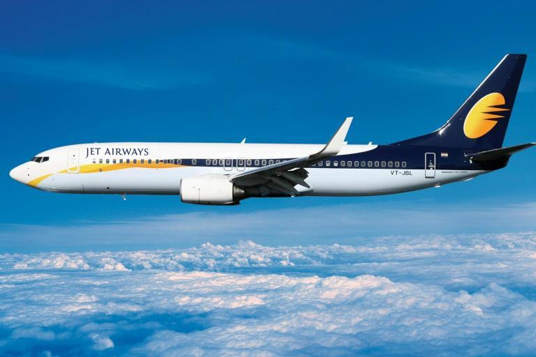 Jet Airways: Indian airline cancels all flights amid financial turmoil