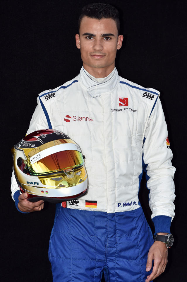 Sauber's German driver Pascal Wehrlein poses for a photo in Melbourne on March 23, 2017, ahead of the Formula One Australian Grand Prix. (AFP Photo/Saeed KHAN)