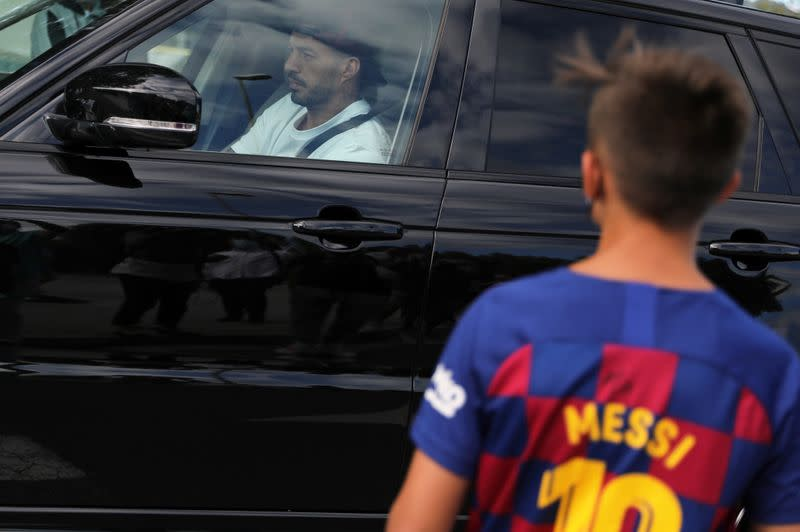 Messi fails to show up for Barca training