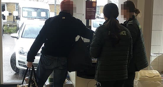 Shoppers pay for paramedics' food (Adam Brooks/Twitter)