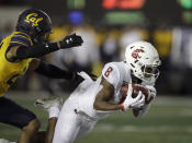 Washington State's Easop Winston Jr., right, makes a pass reception ahead of California's Camryn Bynum in the second half of an NCAA college football game Saturday, Nov. 9, 2019, in Berkeley, Calif. (AP Photo/Ben Margot)