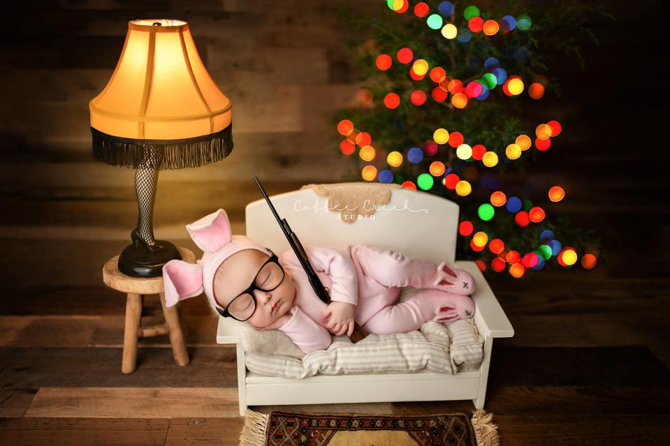 An Indiana photographer is in hot water for re-creating scene from <em>A Christmas Story.</em> (Photo: Coffee Creek Studio)