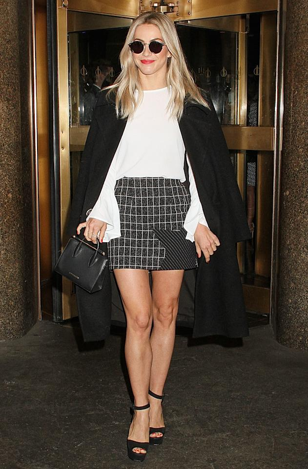 "<p><em>This mini pencil skirt is so cute! Who makes it? - Melanie </em>  Keep it classy in this plaid mini skirt with a star detail on the corner from <a rel=""nofollow"" href=""https://www.byjohnny.com.au/mobile/shop/products/star-stripe-grid-pocket-mini-skirt/black-white.aspx"">By Johnny</a> that you can dress for everything from a brunch meeting to night out. </p>"