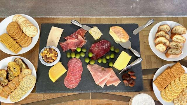 How to make an awesome cheese board (ABC News)