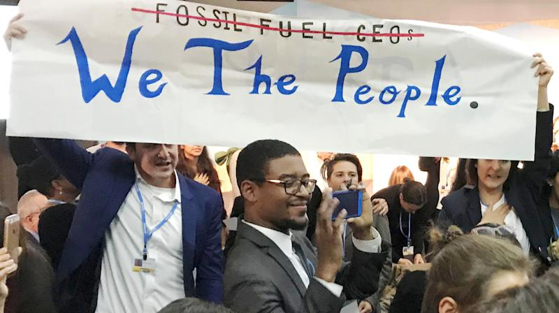 Fossil Fuel-Touting U.S. Heckled By Singing Demonstrators At UN Climate Summit