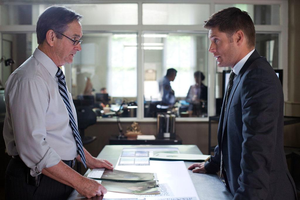 "Alan Ackles as Detective Pike and Jensen Ackles as Dean in the ""Supernatural"" episode, ""Heartache."""