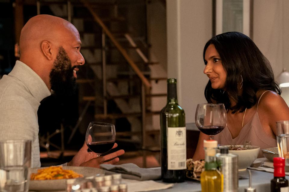 NEVER HAVE I EVER (L to R) COMMON as DR. JACKSON and POORNA JAGANNATHAN as NALINI VISHWAKUMAR in episode 209 of NEVER HAVE I EVER Cr. ISABELLA B. VOSMIKOVA/NETFLIX © 2021 - Credit: ISABELLA B. VOSMIKOVA/NETFLIX