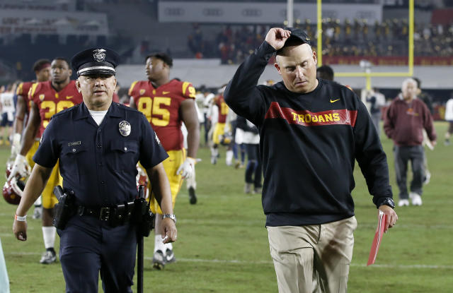 USC finished with its worst record since 2000 after losing to Notre Dame on Saturday night. Head coach Clay Helton will return for the 2019 season. (AP)