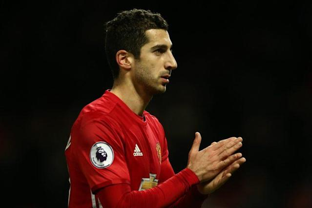 """Could the logo for Tinder be on <a class=""""link rapid-noclick-resp"""" href=""""/soccer/players/henrikh-mkhitaryan/"""" data-ylk=""""slk:Henrikh Mkhitaryan"""">Henrikh Mkhitaryan</a>'s sleeve in 2018?"""