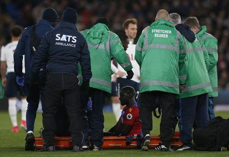Britain Soccer Football - Crystal Palace v Tottenham Hotspur - Premier League - Selhurst Park - 26/4/17 Crystal Palace's Mamadou Sakho is stretchered off after sustaining an injury  Action Images via Reuters / Matthew Childs Livepic