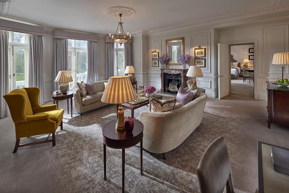 """<p><span>The UK's priciest hotel, a night in the Mandarin Oriental can set you back a whopping </span><b>£18,000 </b><span>per night. That's for a stay in the <a href=""""https://www.hotelscombined.co.uk/Hotel/Mandarin_Oriental_Hotel_Hyde_Park_London.htm"""" rel=""""nofollow noopener"""" target=""""_blank"""" data-ylk=""""slk:Royal Suite"""" class=""""link rapid-noclick-resp"""">Royal Suite</a>, which has incredible views over Hyde Park and is decked out with artwork of guests' choice from a local gallery. You'll also get your own dedicated butler, a vanity area framed by Lalique crystal lights and an entire menu of pillows to choose from. Anyone who doesn't fancy blowing £18K can stay in a King Room from £480 per night. [Photo: Hotels Combined]</span> </p>"""
