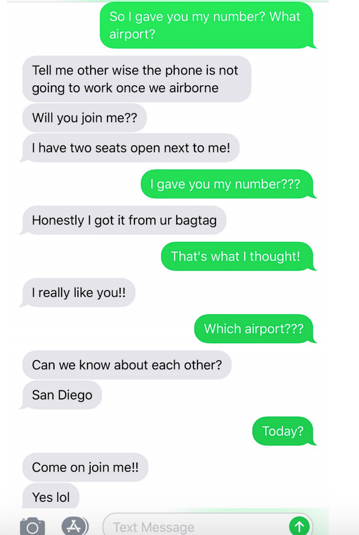 Texts from an American Airlines employee to Ashley Barno.