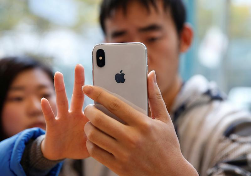 Apple alters its contracts to comply with Japan's antitrust laws