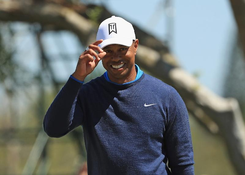 Tiger Woods stamps latest step back with unbelievable putt