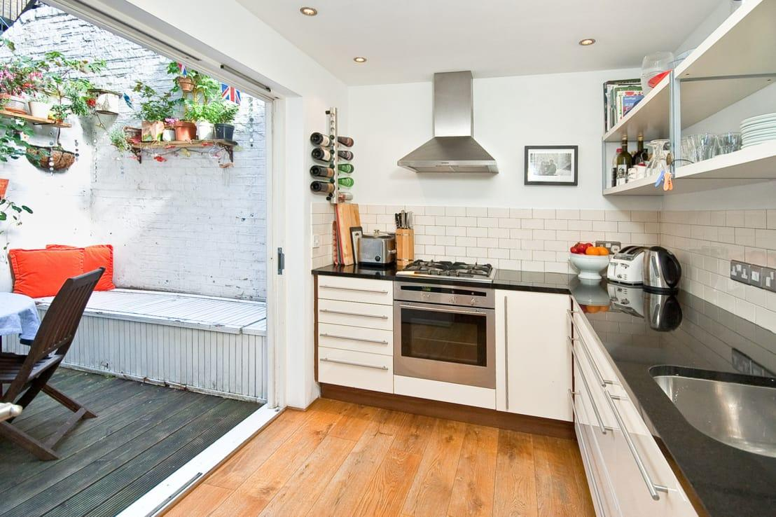 "<p>Small L-shaped kitchens shouldn't be seen as a compromise when they work as well as they do. Though there are a number of <a rel=""nofollow"" href=""https://www.homify.co.uk/ideabooks/1184258/19-awkwardly-shaped-kitchens-that-work-in-small-homes"">suggestions as to the best way to get value from a modest kitchen</a>, an L-shaped layout will really seek to maximise all those areas that tend to be dead space, such as corners.</p><p>Take a look at this picture, which aptly demonstrates the potential that even a minuscule kitchen can unlock, with wall-to-wall L-shaped counter. What could have been at least two feet of blank wall is now a premium location for a small built-in oven  and the corners have been expertly used to stash bulky countertop accessories, such as appliances and fruit bowls. A galley layout would have made the room feel even smaller than it really is, as apposed to creating the illusion of more spaciousness.</p>  Credits: homify / Hardvendel Design"