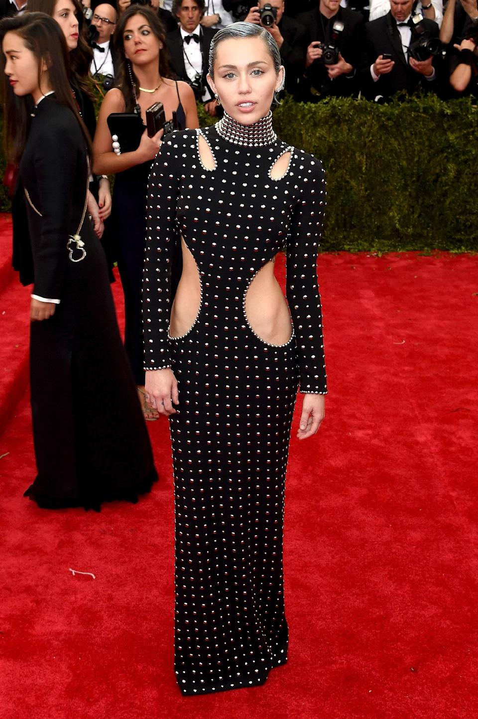 """<h1 class=""""title"""">Miley Cyrus in Alexander Wang, 2015</h1><cite class=""""credit"""">Photo: Getty Images</cite>"""