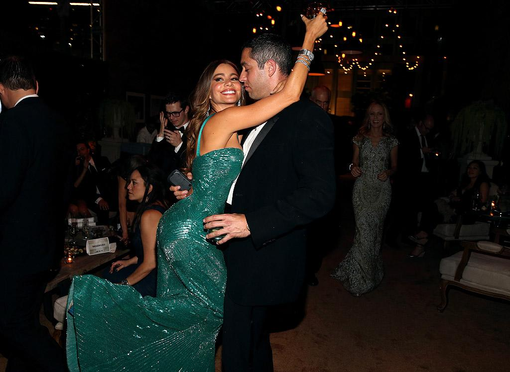 "Despite suffering a <a target=""_blank"" href=""http://tv.yahoo.com/news/sofia-vergara-suffers-wardrobe-malfunction-at-emmys--shares-racy-photo-of-incident-on-twitter.html"">wardrobe malfunction</a> earlier in the evening, ""Modern Family"" minx Sofia Vergara still managed to enjoy the evening with her beau, Nick Loeb, at the FOX fete."