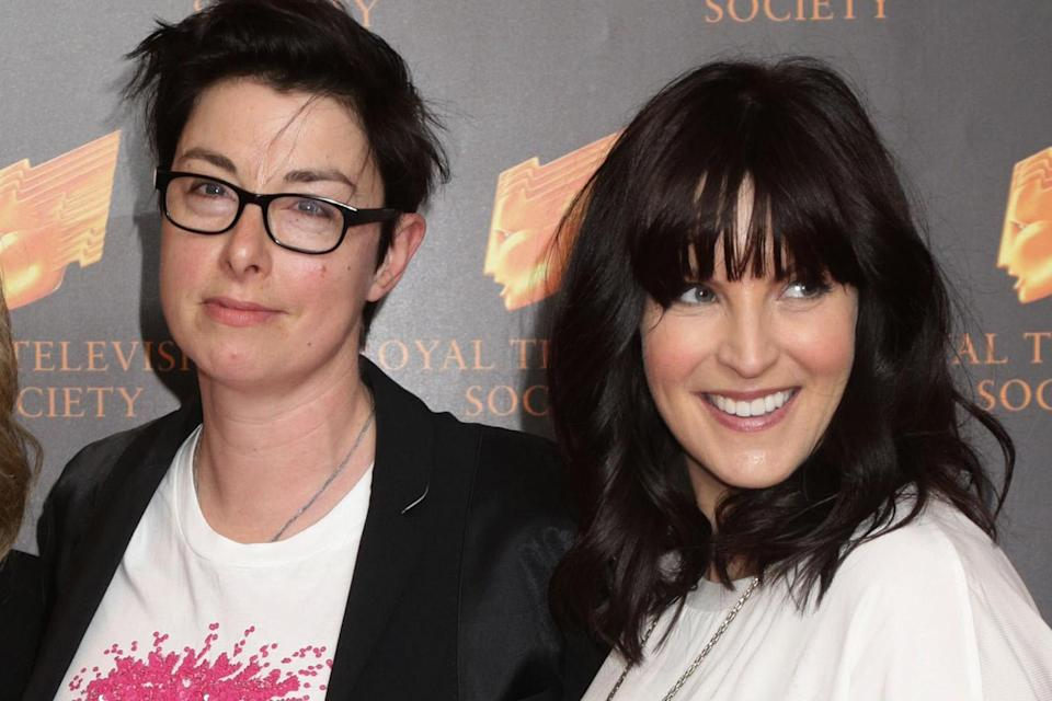 Former Great British Bake Off host Sue Perkins and her Naked Attraction presenter girlfriend Anna Richardson (PA)