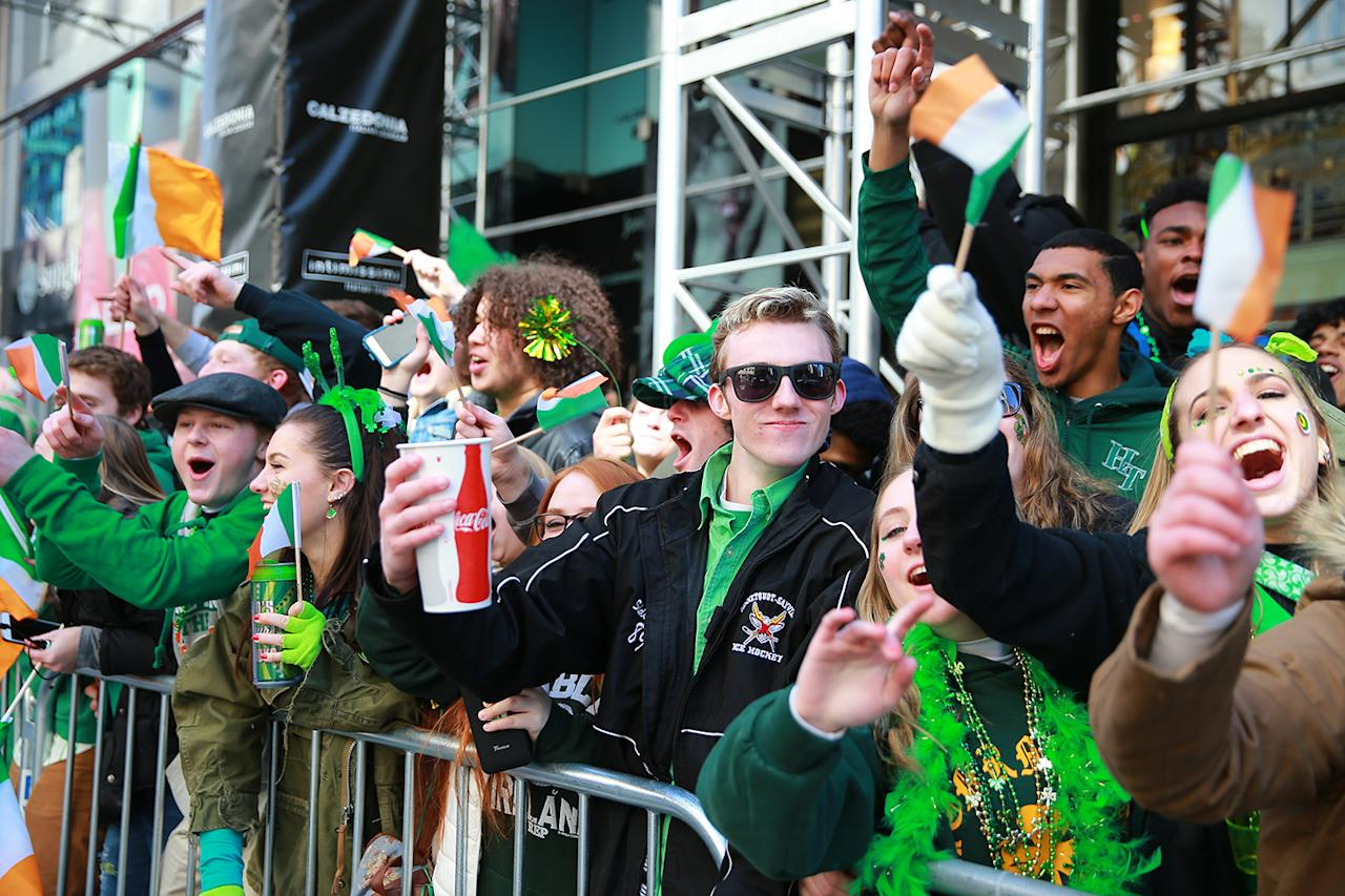 <p>Crowds cheer for the marchers on Fifth Ave. during the St. Patrick's Day Parade, March 17, 2017, in New York. (Gordon Donovan/Yahoo News) </p>