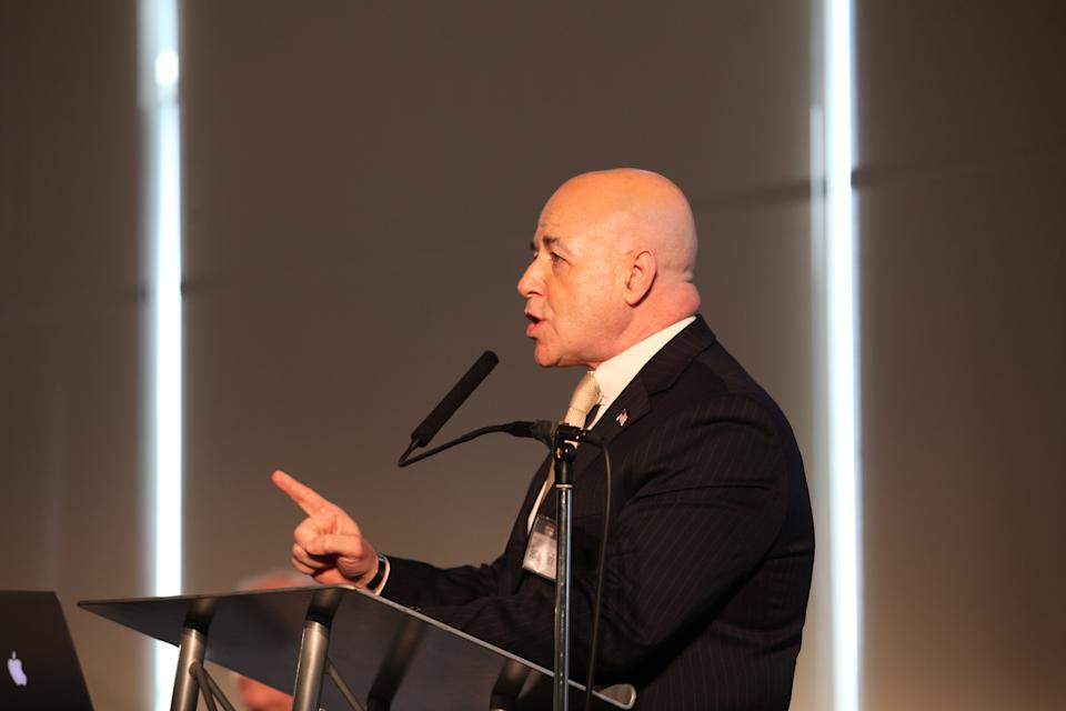 20000527A   JERSEY CITY, NJ 04-02-2015  PRISONER RE-ENTRY CONFERENCE:  Bernard Kerik speaks during panel discussion at the Prisoner Re-entry Conference today at St. Peter's University.