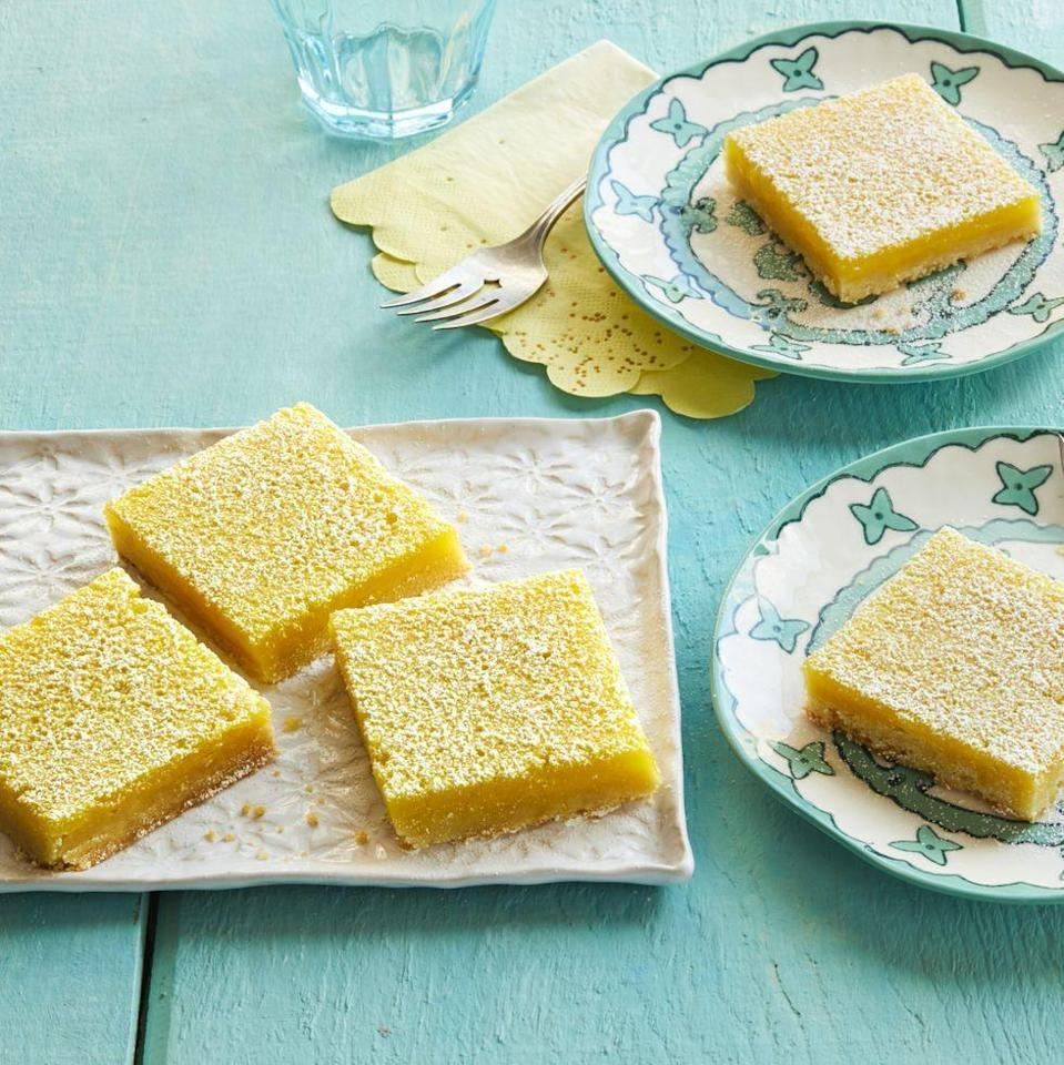 """<p>Lemon bars are always a party favorite. Ree's recipe is so easy to follow and requires just 15 minutes of prep time.</p><p><a href=""""https://www.thepioneerwoman.com/food-cooking/recipes/a12104/lemon-bars/"""" rel=""""nofollow noopener"""" target=""""_blank"""" data-ylk=""""slk:Get the recipe"""" class=""""link rapid-noclick-resp""""><strong>Get the recipe</strong></a></p><p><a class=""""link rapid-noclick-resp"""" href=""""https://go.redirectingat.com?id=74968X1596630&url=https%3A%2F%2Fwww.walmart.com%2Fsearch%2F%3Fquery%3Dbaking%2Btools&sref=https%3A%2F%2Fwww.thepioneerwoman.com%2Ffood-cooking%2Fmeals-menus%2Fg32109085%2Ffourth-of-july-desserts%2F"""" rel=""""nofollow noopener"""" target=""""_blank"""" data-ylk=""""slk:SHOP BAKING TOOLS"""">SHOP BAKING TOOLS</a></p>"""