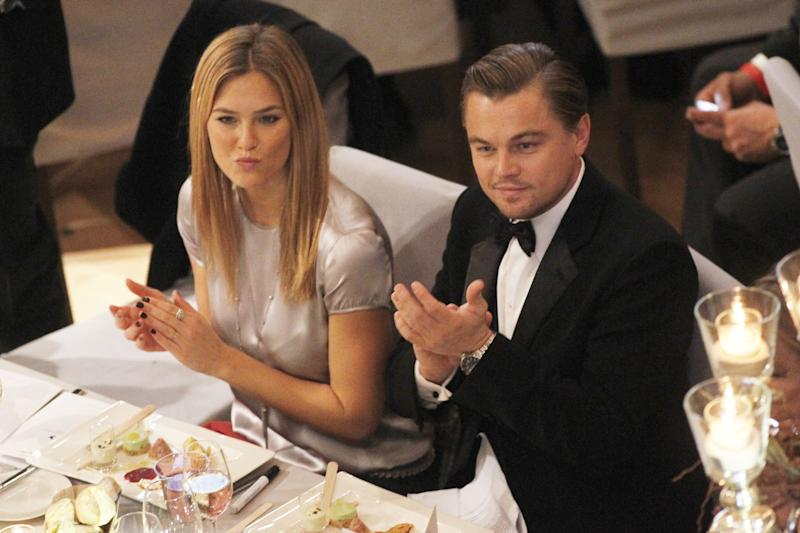 "Leonardo Dicaprio Mit Freundin Bar Refaeli Bei Der ""Cinema For Peace Gala"" Im Rahmen Der 60. Berlinale Im Konzerthaus In Berlin (Photo by Franziska Krug/Getty Images)"