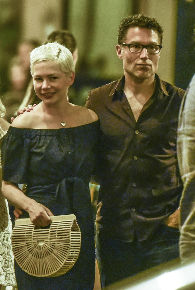 Michelle Williams and Andrew Youmans stroll around Rome in July 2017. (Photo: Mega Agency)
