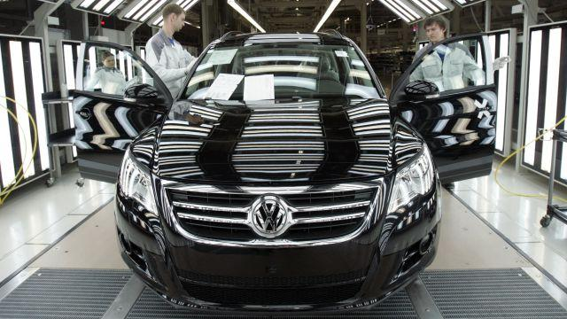 DATE IMPORTED:October 20, 2009Employees at a Volkswagen factory work on an assembly line in the city of Kaluga, Russia.