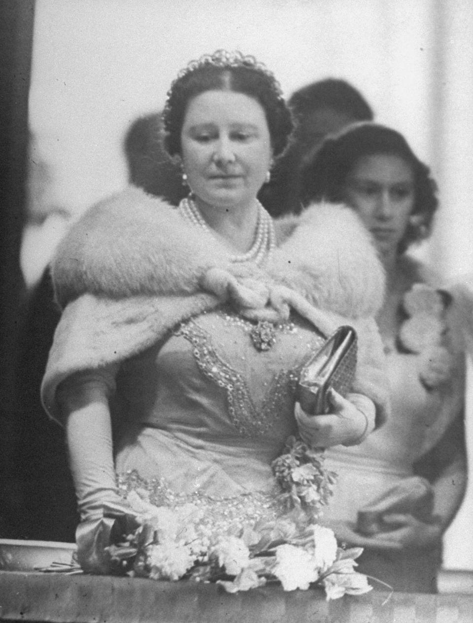 <p>The Queen mother was also a patron of the arts. Here she is at the opening of Covent Garden Royal Opera House in 1946.</p>