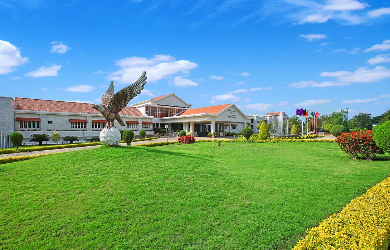 <p>The main entrance of the Eagleton resort where Congress' 78 MLAs will be lodged. (Image: Eagleton India) </p>