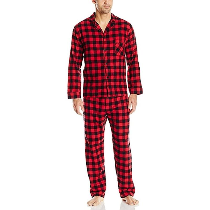 Shop for holiday pyjamas for the entire family with Amazon Canada's Holiday Dash.