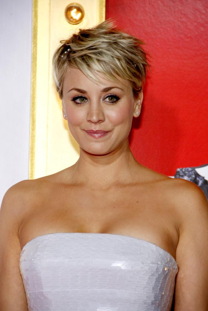 Kaley cuocos new summer hairstyle is a total blast from the past kaley cuoco pixie urmus Gallery