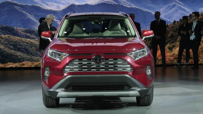 watch toyota reveal the all new rav4 in new york. Black Bedroom Furniture Sets. Home Design Ideas