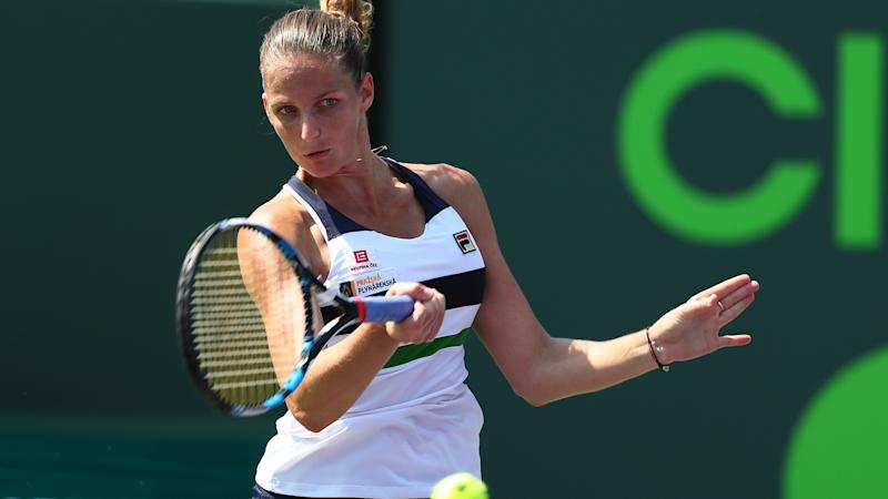 Pliskova, Muguruza power through as Radwanska bows out