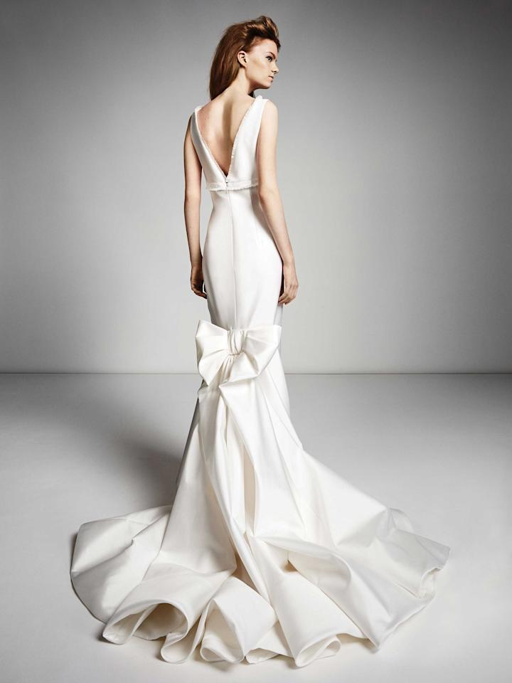 <p>White mermaid gown. (Photo: Viktor & Rolf Mariage) </p>