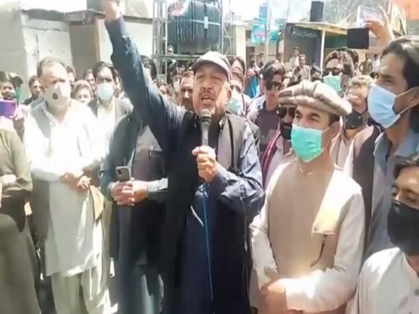 They accused Imran Khan and his party of discriminating against the people of Gilgit Baltistan
