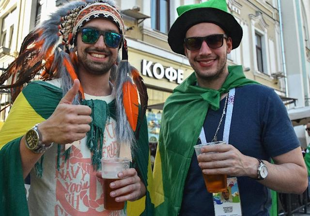 Football fans in Russia are giving a boost to the local beer market (AFP Photo/Vasily MAXIMOV)