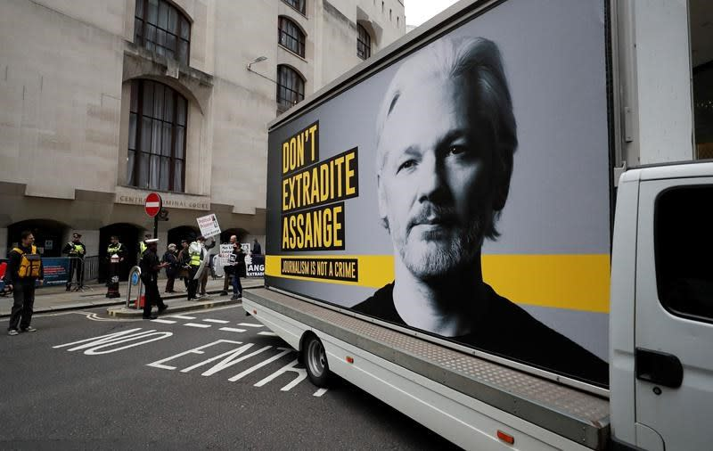 WikiLeaks' Assange in UK court to fight US extradition bid