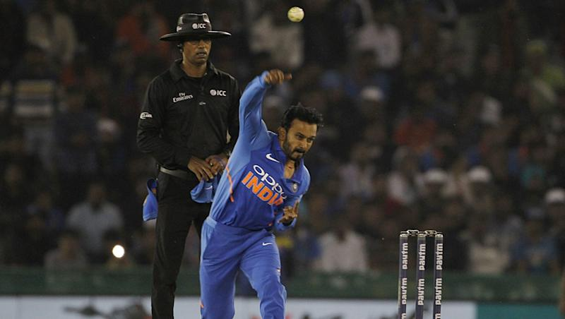 Kedar Jadhav Asks the Rain Gods to Pour in Drought-Ridden Maharashtra, As the CWC 2019 Game Between IND& NZ Gets Called Off (Watch Video)