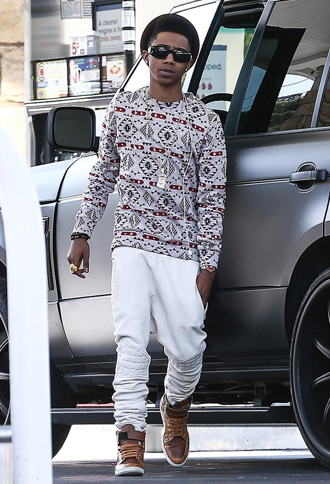 *EXCLUSIVE* Lil Twist downgrades to Justin Bieber's Stealth Range Rover