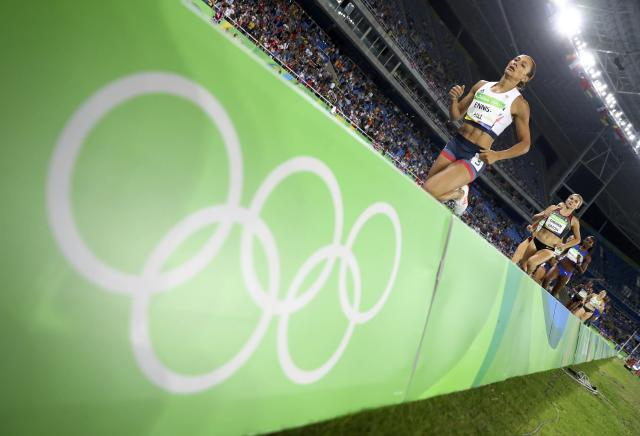 2016 Rio Olympics - Athletics - Final - Women's Heptathlon 800m - Olympic Stadium - Rio de Janeiro, Brazil - 13/08/2016. Jessica Ennis-Hill (GBR) of Britain competes. REUTERS/Kai Pfaffenbach FOR EDITORIAL USE ONLY. NOT FOR SALE FOR MARKETING OR ADVERTISING CAMPAIGNS.