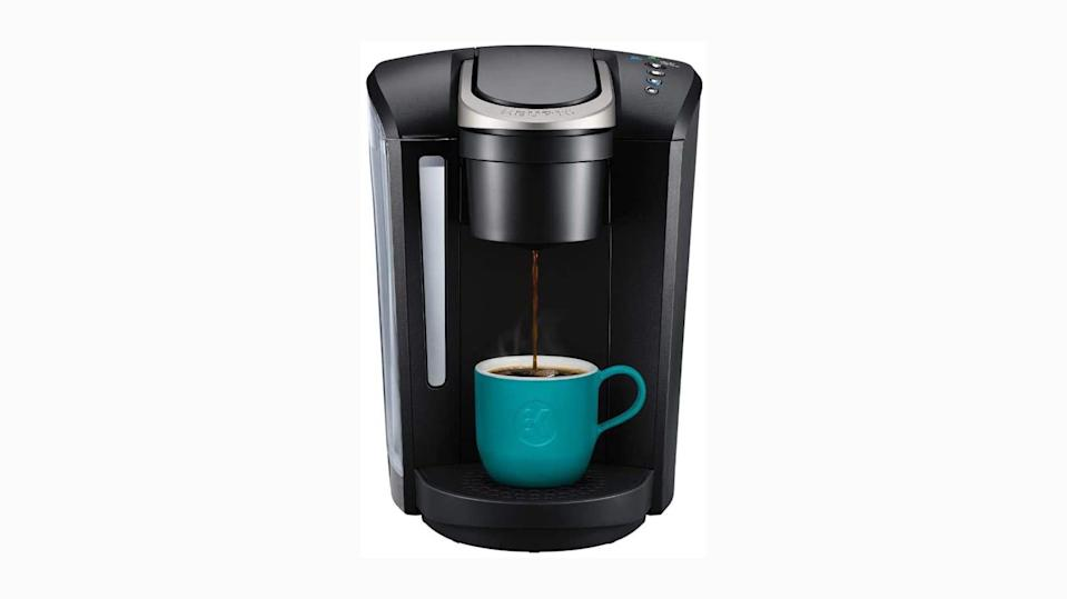 This coffee maker makes up to seven cups.