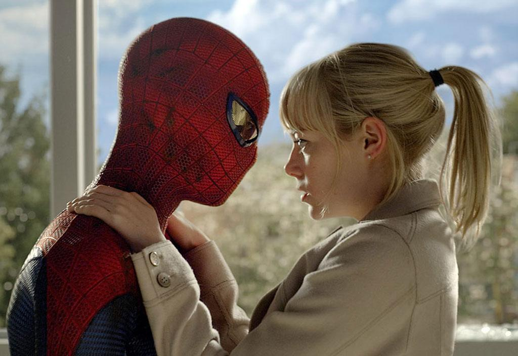 "6. <a href=""http://movies.yahoo.com/movie/the-amazing-spiderman/"">The Amazing Spider-Man</a><br>Total Gross: $262,030,663"