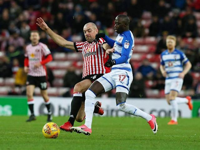Sunderland suspend Darron Gibson after drink driving charge