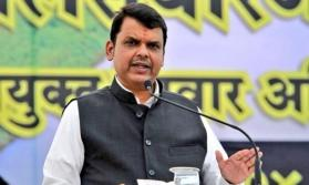 After date row, bungling of notary name hits CM Fadnavis' nomination