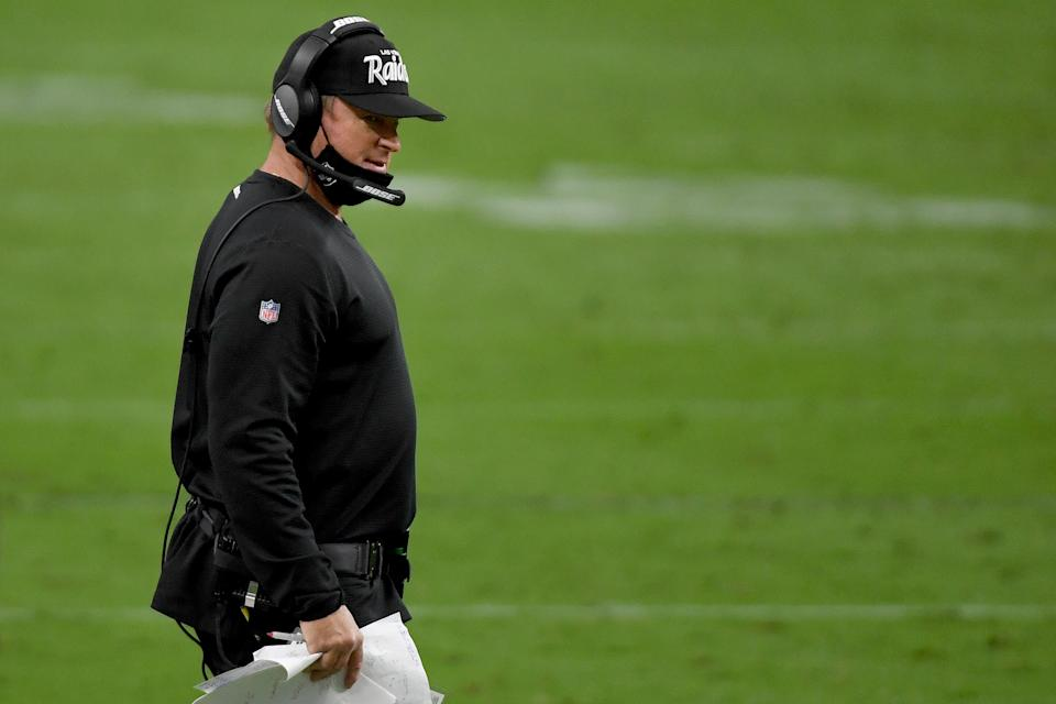 Jon Gruden wears his mask around his chin instead of around his nose and mouth.